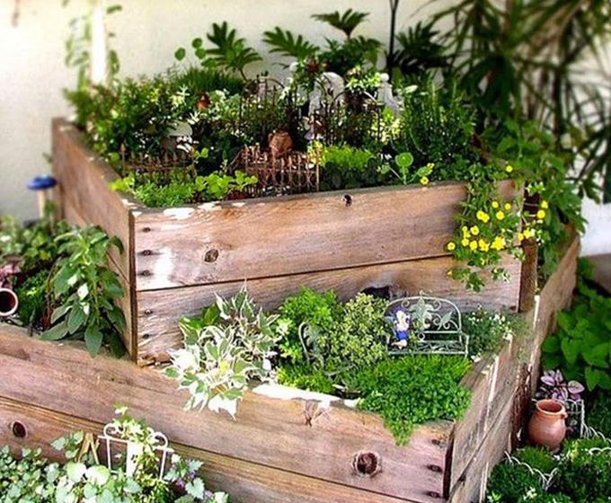 Madera reciclada para redecorar el jard n l 39 antic - Jardines decorados con madera ...