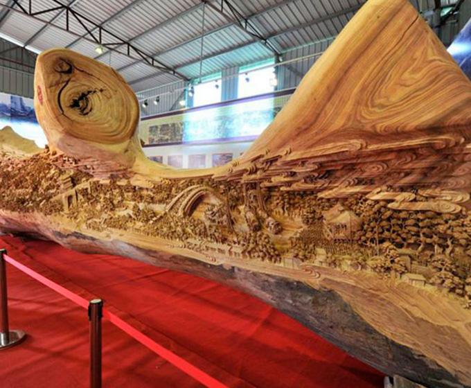 escultura de madera