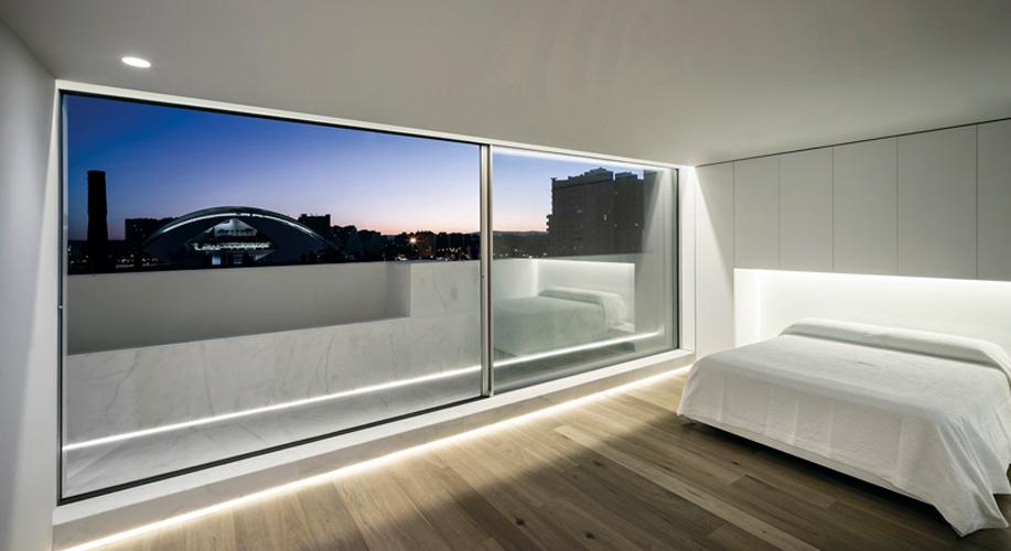 El parquet Modern Siena en una vivienda inundada de luz