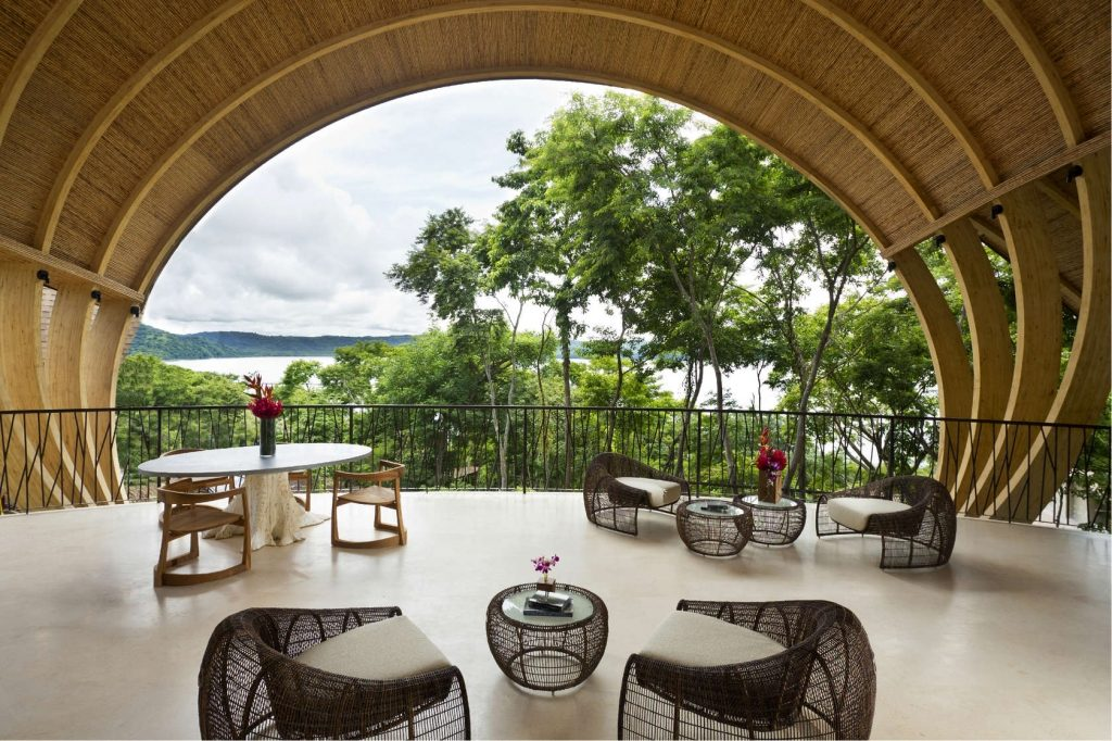 Age-Old wood in the andaz Peninsula Papagayo Resort (Costa Rica)