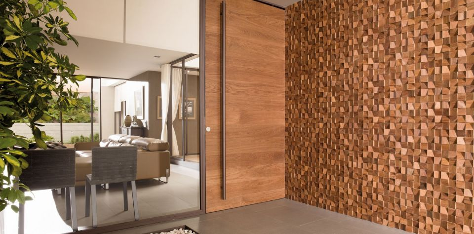 Mosaic products from L'Antic Colonial. Natural wood with caracter