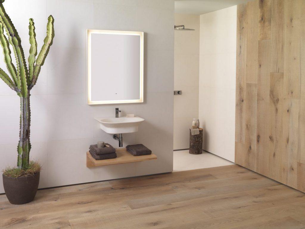 ¿Cómo lograr una atmósfera relajada y natural en tu baño?