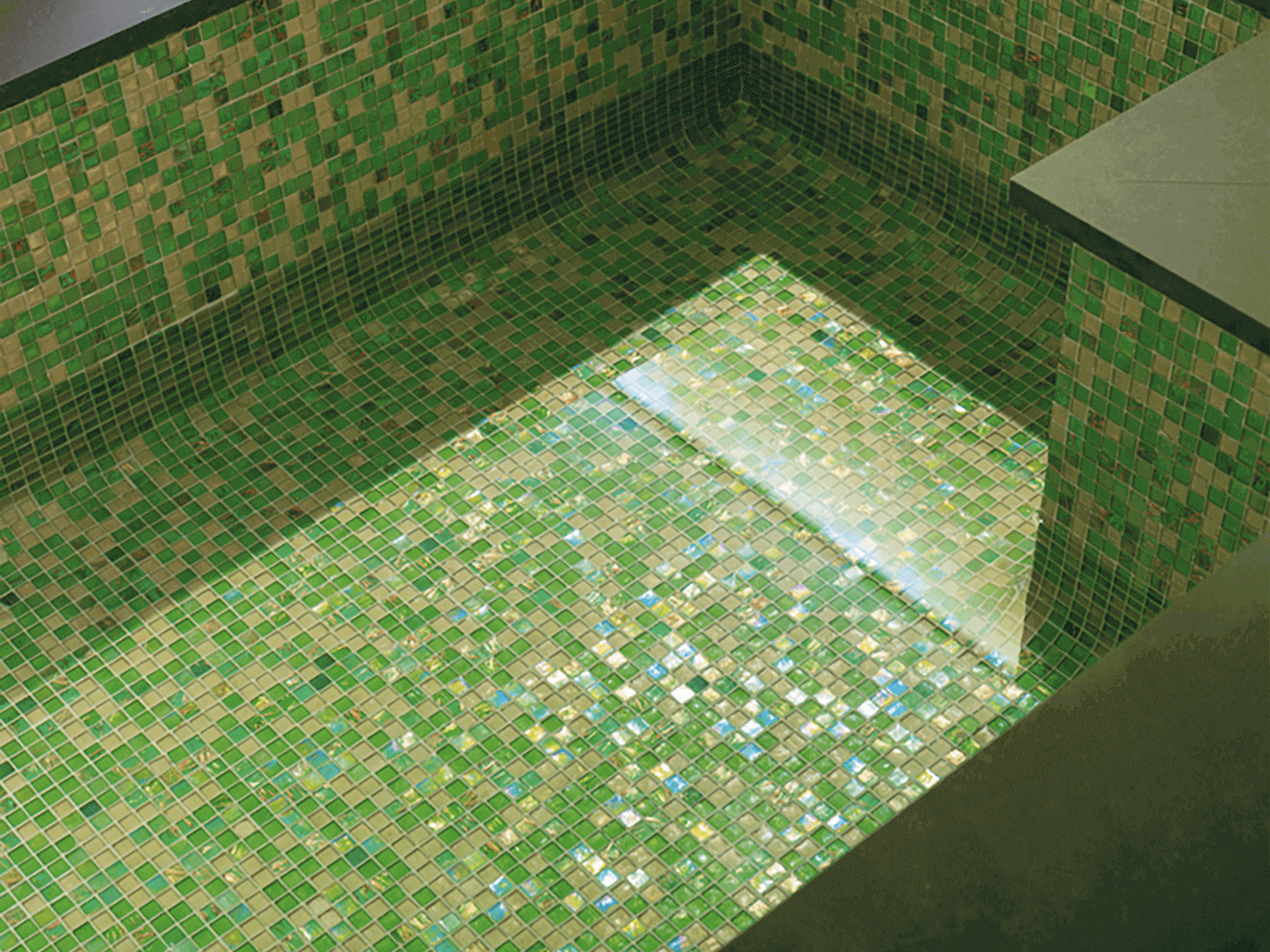 The-best-mosaics-floors-for-your-home