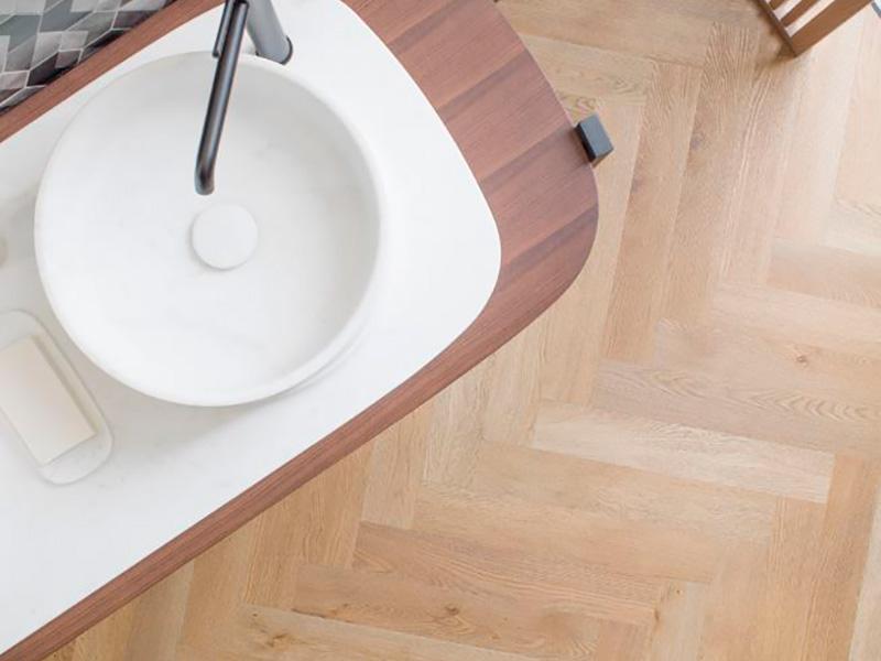 usar-suelo-vinílico-en-baños